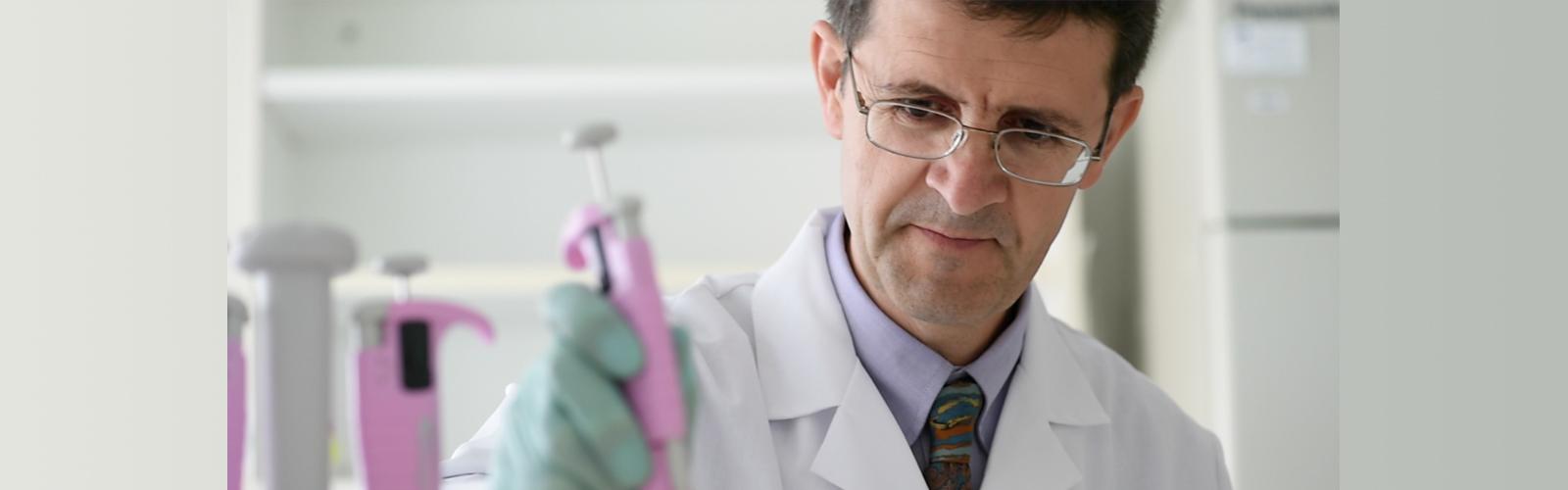 Luigi Puglielii in lab